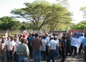 Workers at AERODESPACHOS in El Salvador sought better job safety--and 96 were fired. Credit: CEAL