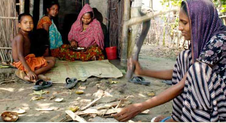Bangladesh: Shrimp Industry to Address Working Conditions