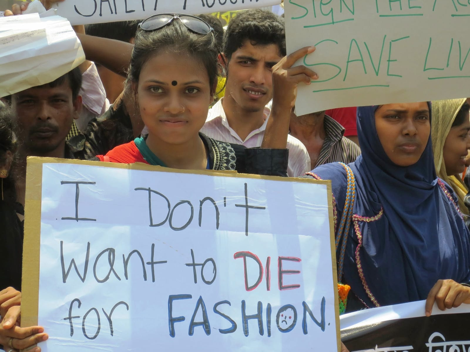 Bangladesh Garment Worker Dies in Rally for Unpaid Wages