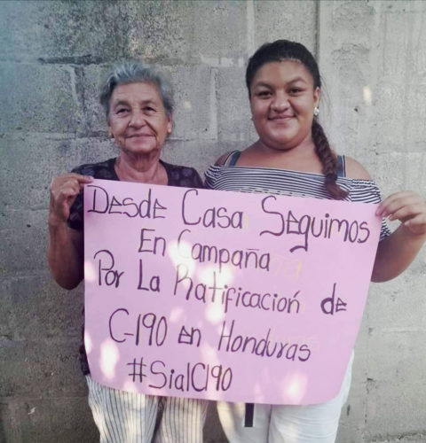 In Honduras, union activists are posting photos of themselves on social media with signs urging passage of C190. Credit: Promotoras Legales