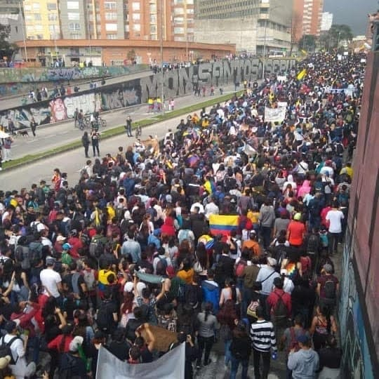 Colombia Marches Against Measures that Hurt Workers, Youth and Pensioners